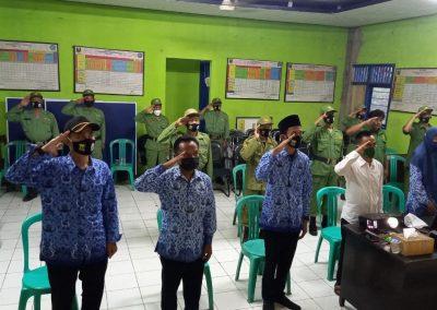 Upacara Penurunan Bendera dalam rangka HUT ke-76 Republik Indonesia