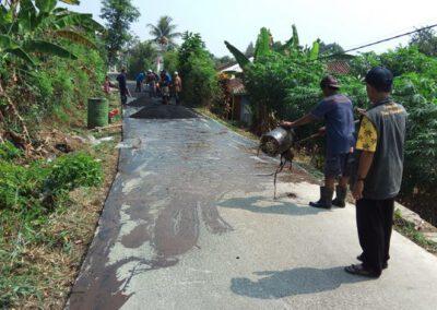 Pengaspalan Jalan Desa Tahap Ketiga