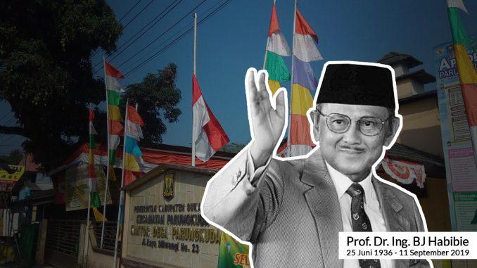 BJ Habibie Wafat Desa Parungkuda Kibarkan Bendera Setengah Tiang