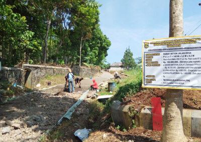 Pembangunan Rabat Beton Jalan Desa