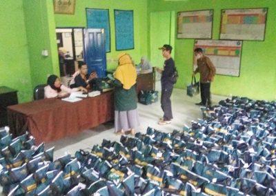 Penyaluran Bansos Covid-19 Non-DTKS dari Pemprov Jawa Barat Bulan Ketiga